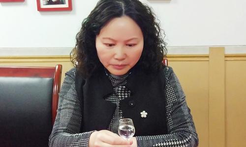 鼎信基酒品酒会教你3分钟get到辨别粮食酒和酒精勾兑酒的方法